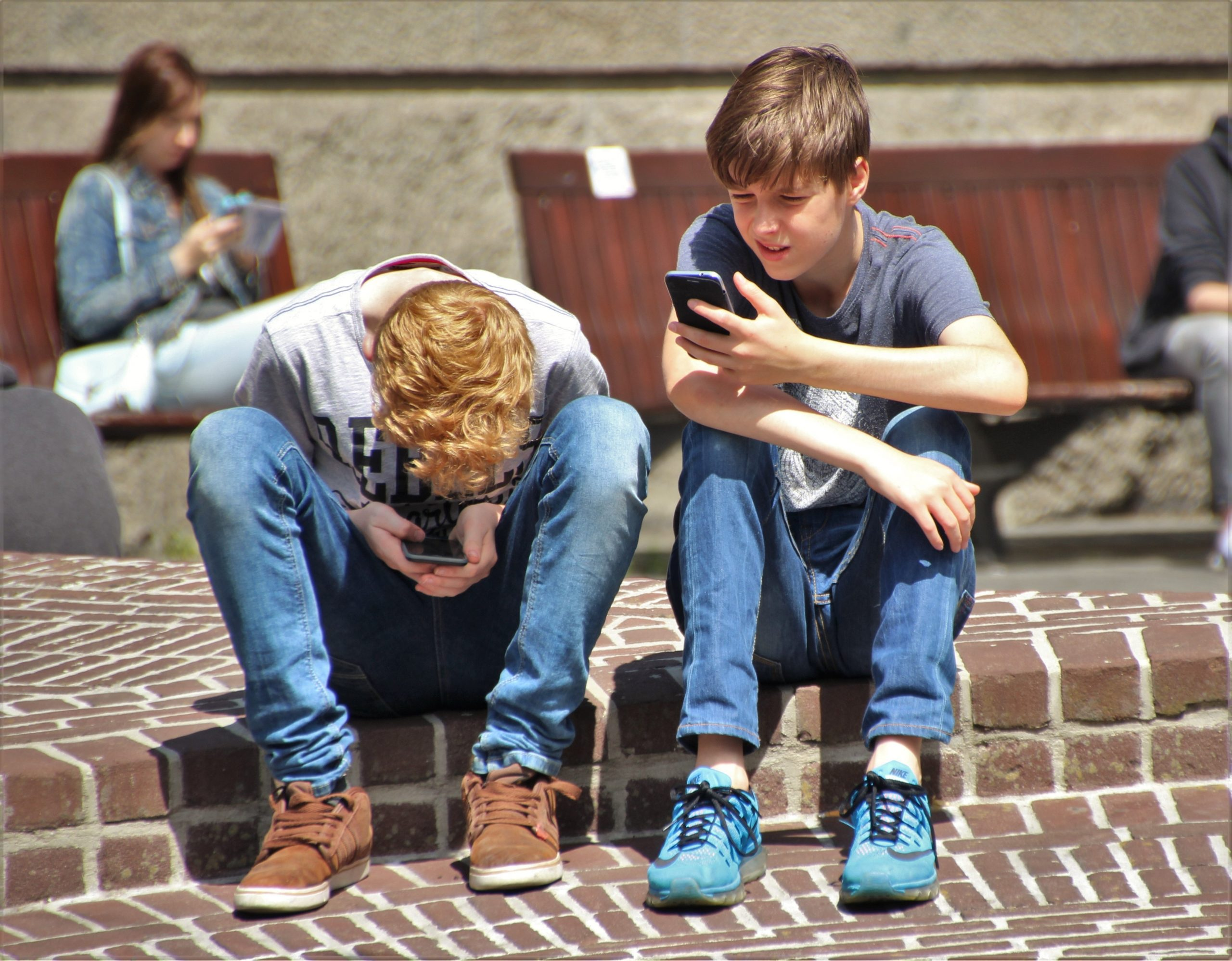 Mobile Technology: How to use it to teach teens 8 key life lessons.​