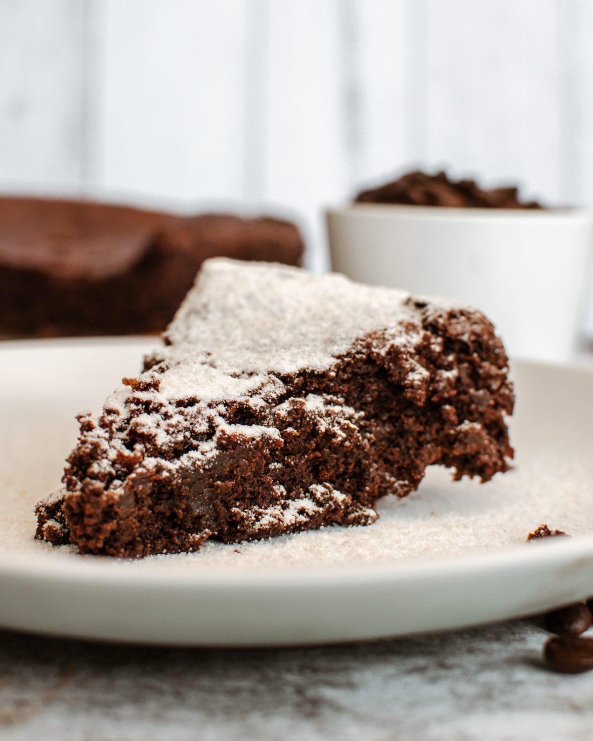 Flourless Chocolate Cake: A Delicious & Healthier Alternative for Dessert
